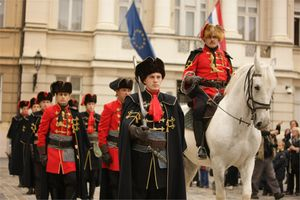 Croatia zagreb events kravat-regiment guard change 002.jpg