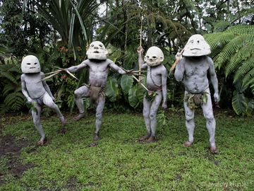 Mudmen of Waghi Valley Papua New Guinea-via-hairstylepics.info .jpg
