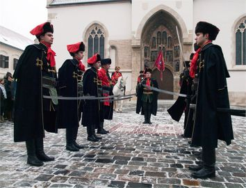 Croatia zagreb events kravat-regiment guard change 004.jpg