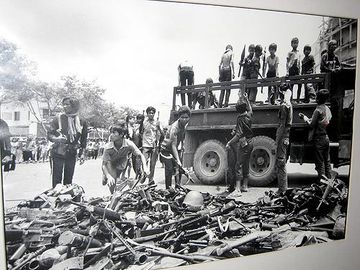 Khmer-rouge-killings-history-pictures-rare-unseen-020.jpg