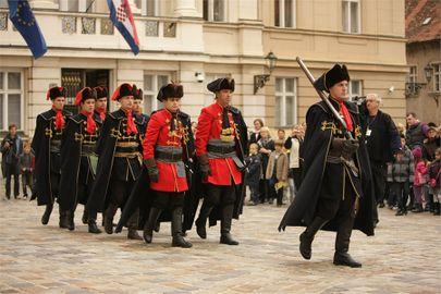 Croatia zagreb events kravat-regiment guard change 003.jpg